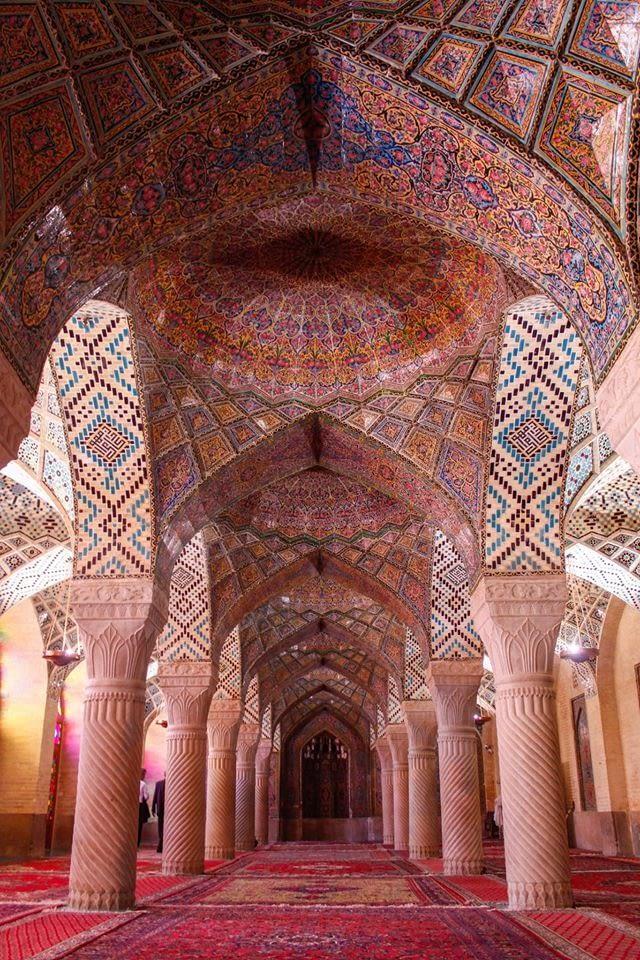 Розовата джамия