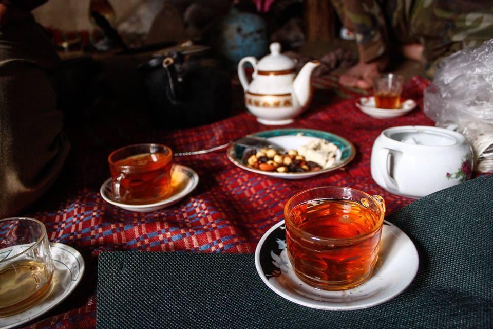 На гости в една кюрдска колиба.